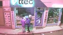 Hırsızlık Zanlıları Güvenlik Kamerasına Yakalandı