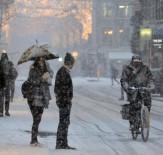 KAR FIRTINASI - İsveç En Soğuk Gününü Yaşıyor