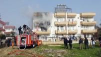 SARıLAR - Manavgat'ta Korkutan Ev Yangını