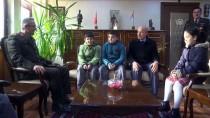 MUSTAFA CANDAN - Minik Yürekleriyle Yazdıkları Şiirleri Komutana Getirdiler