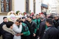 SAKARYASPOR - Sakaryaspor Teknik Direktörü Engin Korukır'ın Annesi Kocaeli'de Toprağa Verildi