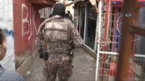 ÖZEL TİM - Sarıyer'de 'Torbacı' Operasyonu