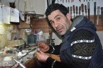 TAYLAND - Uşaklı Takı Tasarımcısının El Emeği Ürünleri Türkiye Sınırlarını Aştı