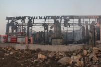 KİMYASAL MADDE - Yanan Parfüm Fabrikasındaki Hasar Günün Aydınlanmasıyla Ortaya Çıktı