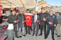 AKŞEHİR BELEDİYESİ - Akşehir Protokolü Zeytin Dalı Harekatı'na Destek İçin Bayrak Dağıttı
