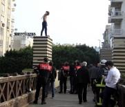 YUNUS TİMLERİ - Antalya'da Üst Geçitte Benzinli İntihar Girişimi