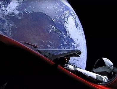 Elon Musk'ın Tesla'sı Mars yörüngesini ıskaladı