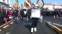 EMEKLİ ÖĞRETMEN - Eski Devlet Bakanı Korkut'un Cenazesi Toprağa Verildi