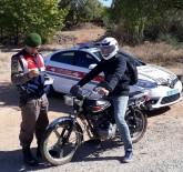 MOTOSİKLET KAZASI - Jandarma Motosiklet Sürücülerini Uyardı