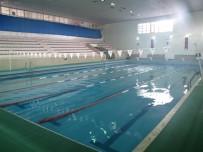 SPOR MERKEZİ - Osman Çağlı Kapalı Yüzme Havuzunda Kış Sezonu Açıldı