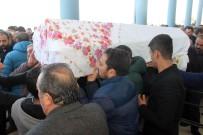 Patlamada Ölen 2 Çocuk Annesi Son Yolculuğuna Uğurlandı