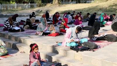 Türk STK'lerden Pakistanlı öğrencilere yardım