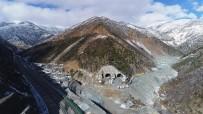 KARAYOLU TÜNELİ - Yeni Zigana Tüneli İnşaatı Devam Ediyor