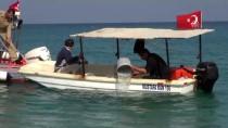 BALIK TUTMAK - Antalya'da Su Alan Balıkçı Teknesindeki İki Kişi Kurtarıldı