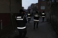 DİYARBAKIR EMNİYET MÜDÜRLÜĞÜ - Diyarbakır'da Uyuşturucu Tacirlerine Şafak Operasyonu Açıklaması 6 Gözaltı