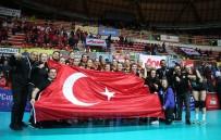 ECZACıBAŞı - Eczacıbaşı Vitra, CEV Kupası'nda Çeyrek Finalde