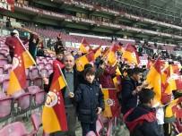 İLİM YAYMA CEMİYETİ - Hakkarili Öğrenciler Galatasaray İle Konyaspor Maçını İzledi