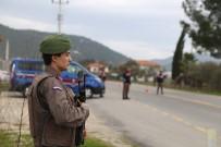 HIZ KONTROLÜ - Jandarmadan 3 Noktada 30 Personelle Operasyon