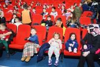 KıRMıZı BAŞLıKLı KıZ - Kırmızı Başlıklı Kız Çocukların Beğenisini Kazandı