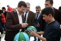 SERVERGAZI - Merkezefendi'de Basketbol Topu Dağıtımı Sürüyor