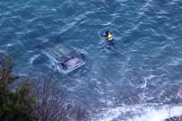 KILIMLI - Otomobil 60 Metreden Denize Uçtu, Şoför Kayıp