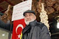 Sarımsaklardan Kazandığı Parayı Mehmetçik Vakfına Bağışlıyor