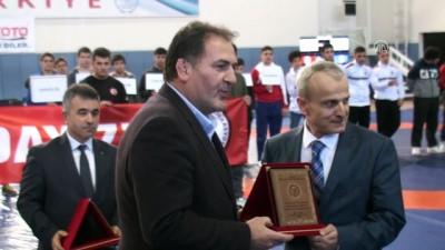 Yıldızlar Grekoromen Güreş Grup Şampiyonası