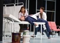 VERGİ DAİRESİ BAŞKANLIĞI - Adana Şehir Tiyatrosu 'Boyacı'yı Maliyeciler İçin Sahneledi