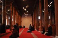 ULU CAMİİ - Anadolu'nun En Büyük Ahşap Direkli Camisi