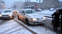 KALDIRIMLAR - Doğu Anadolu'da Kar Etkili Oluyor