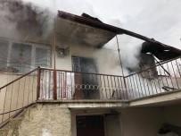 FıRAT ÜNIVERSITESI - Elazığ'da 2 Ayrı Ev Yangını