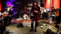 FUNDA ARAR - Funda Arar 'Yoluma Düşen Şarkılar'la Türkiye'yi Dolaşacak