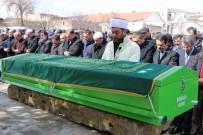 İLHAMI AKTAŞ - Kale Direği Devrilerek Ölen Çocuğunun Cenaze Namazını, İmam Babası Kıldırdı