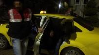TİCARİ TAKSİ - 4 kişilik taksiden 9 mülteci çıktı