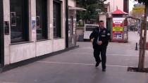 KURUKÖPRÜ - Adana'da Bankaya Giren Şüpheli Yakalandı