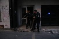KURUKÖPRÜ - Bankanın İçerisinde Polise Yakalanan Şahıs 'Uyumak' İçin Girdim Dedi