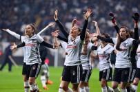 KADINLAR GÜNÜ - Beşiktaş Kadın Futbol Takımı'na Sevgi Seli