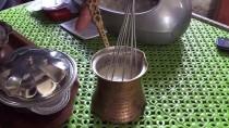 ŞEB-İ ARUS - Bu Kahvehanede 'Hurmalı Süt' Çaydan Çok Tüketiliyor