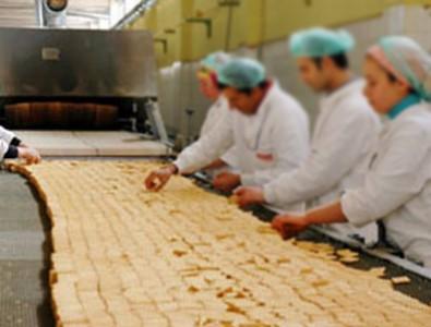 Bisküvi fabrikasında iğrenç olay! Tazminatsız kovuldu