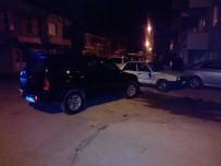MİMAR SİNAN - Hafif Ticari Araçla Otomobil Çarpıştı Açıklaması 2 Yaralı