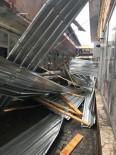 ŞİDDETLİ RÜZGAR - Kars'ta Rüzgar Çatıları Uçurdu