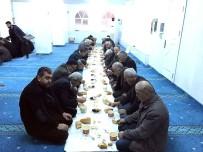 HAYIRSEVER İŞ ADAMI - Sabah Namazı Sonrası Camide Kahvaltı