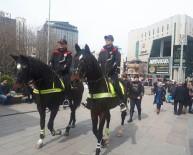 KIZILAY MEYDANI - Atlı Polis Birliği, Kızılay Meydanı'nda Devriye Atıyor