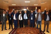 BAŞKANLIK SEÇİMİ - Ayvalık'ta AK Parti'den Vefa Yemeği