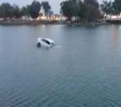 SUDAN - El Frenini Çekmeyi Unutan Sürücünün Aracı Nehre Düşüp Battı