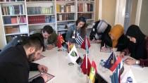 YABANCI ÖĞRENCİLER - Uluslararası Öğrencilerden Mehmetçiğe 'Bi Dünya' Mektup