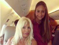 Aynı uçağa Ajda Pekkan da binmişti… Mina Başaran ile fotoğrafları…