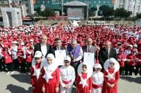 MUSTAFA ELDIVAN - Bin 380 Çocuk İşaret Diliyle İstiklal Marşı'nı Okudu, O Anlar Havadan Görüntülendi
