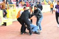İLK MÜDAHALE - Eskişehirsporlu Yönetici Maç Sırasında Kalp Krizi Geçirdi