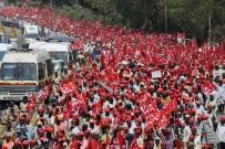 OTURMA EYLEMİ - Hintli Çiftçiler Protestoda